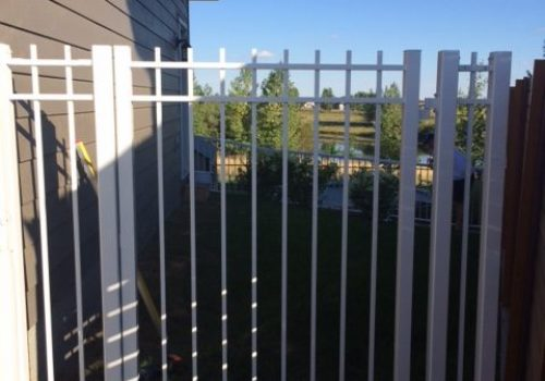 Custom fences calgary